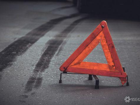 ВКузбассе восьмилетний парень угнал машину икатал наней друга