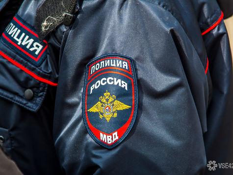 Кемеровчанин ограбил ломбард ирастерял часть украшений впроцессе бегства