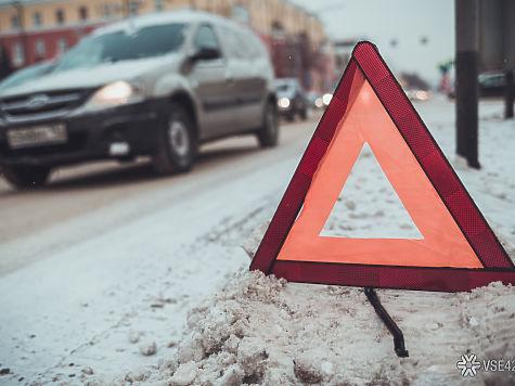 Натрассе вЮргинском районе столкнулись КамАЗ иавтобус: пострадали три человека