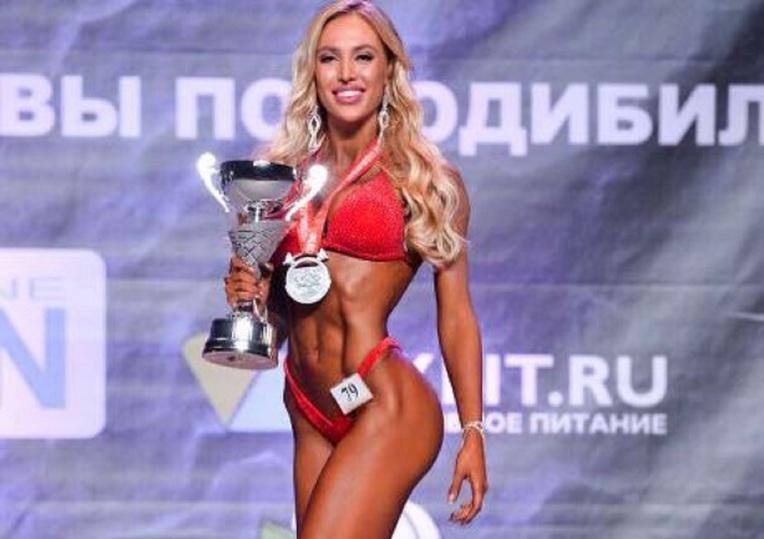 Экс-участница «Дома-2» Лиза Полыганова стала «Мисс фитнес-бикини» столицы