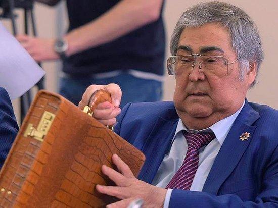 Аман Тулеев: Работать стяжелейшим грузом напосту губернатора морально нельзя